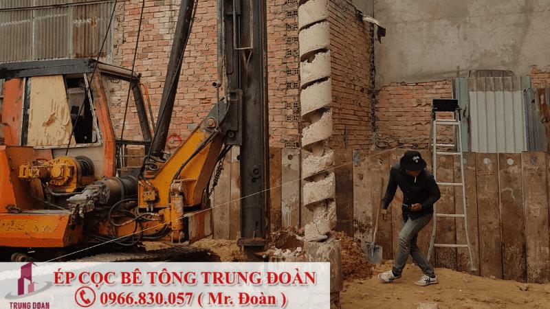 Tiến hành khoan dẫn ép cọc để đưa cọc bê tông vào nền đất
